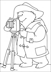 coloring page Paddington Bear takes photo