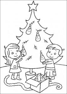 kleurplaat De kerstboom versieren