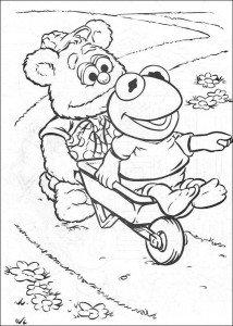 coloring page Kermit and Fozzy gardening