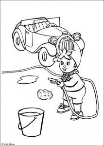 kleurplaat Noddy wast zijn auto