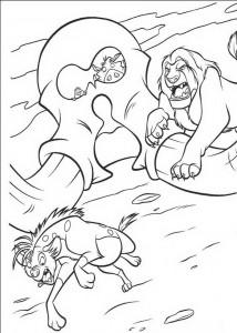 раскраска Симба атакует гиена